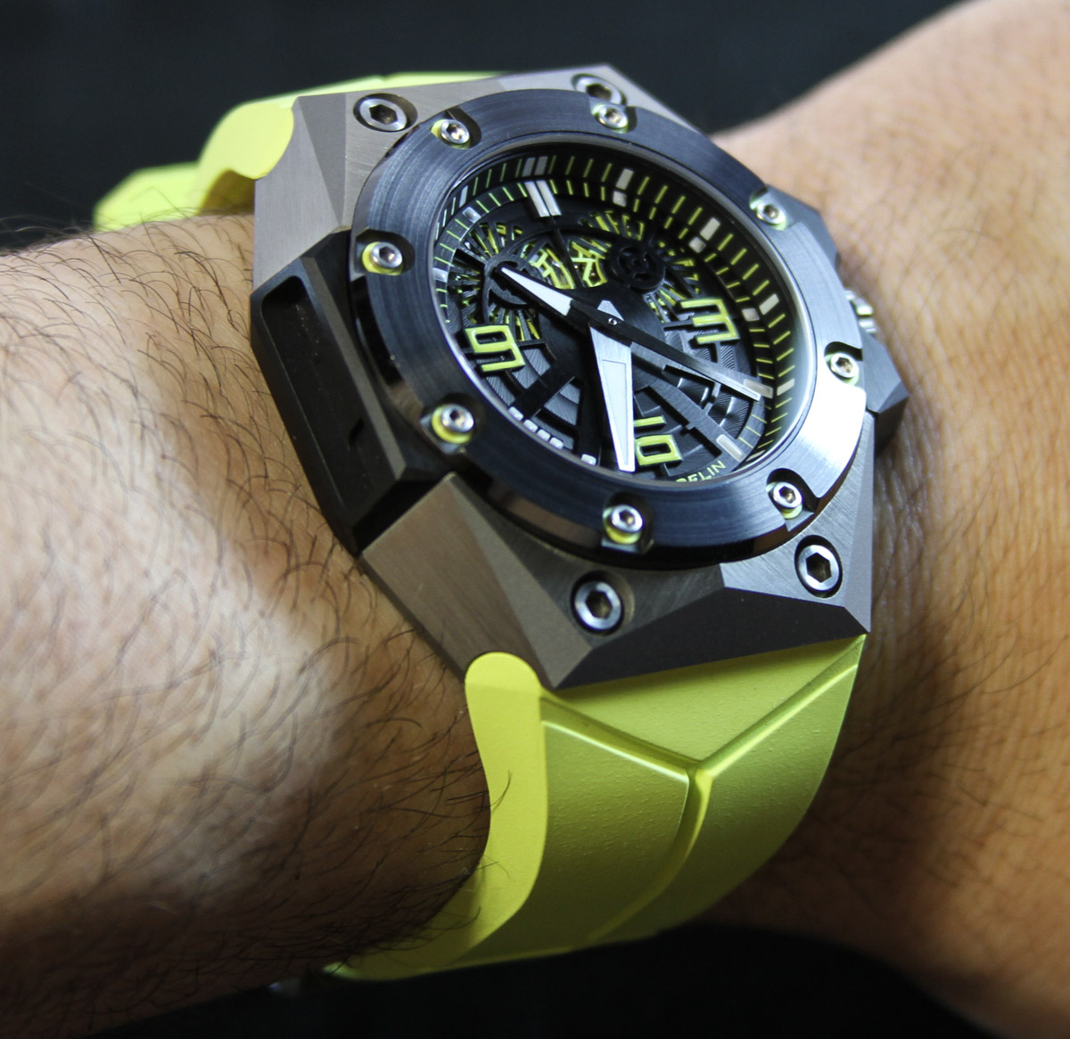 Linde Werdelin Oktopus II Watch Review Wrist Time Reviews